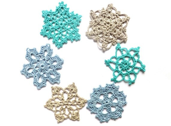 Handmade Christmas decorations, crocheted snowflakes, holiday ornaments, applique, embellishments /set of 6/