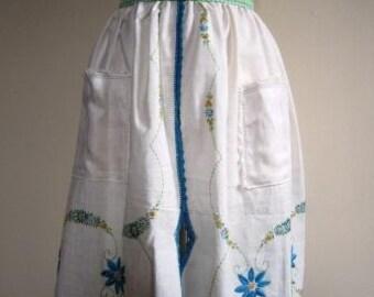 Apron Café Shabby Chic Vintage Doily Linen Flowers - One Size