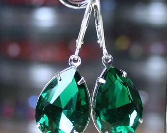 Emerald Green Vintage Crystal Earrings -  Estate Style Glass Jeweled Earrings - Sterling Silver Lever Backs