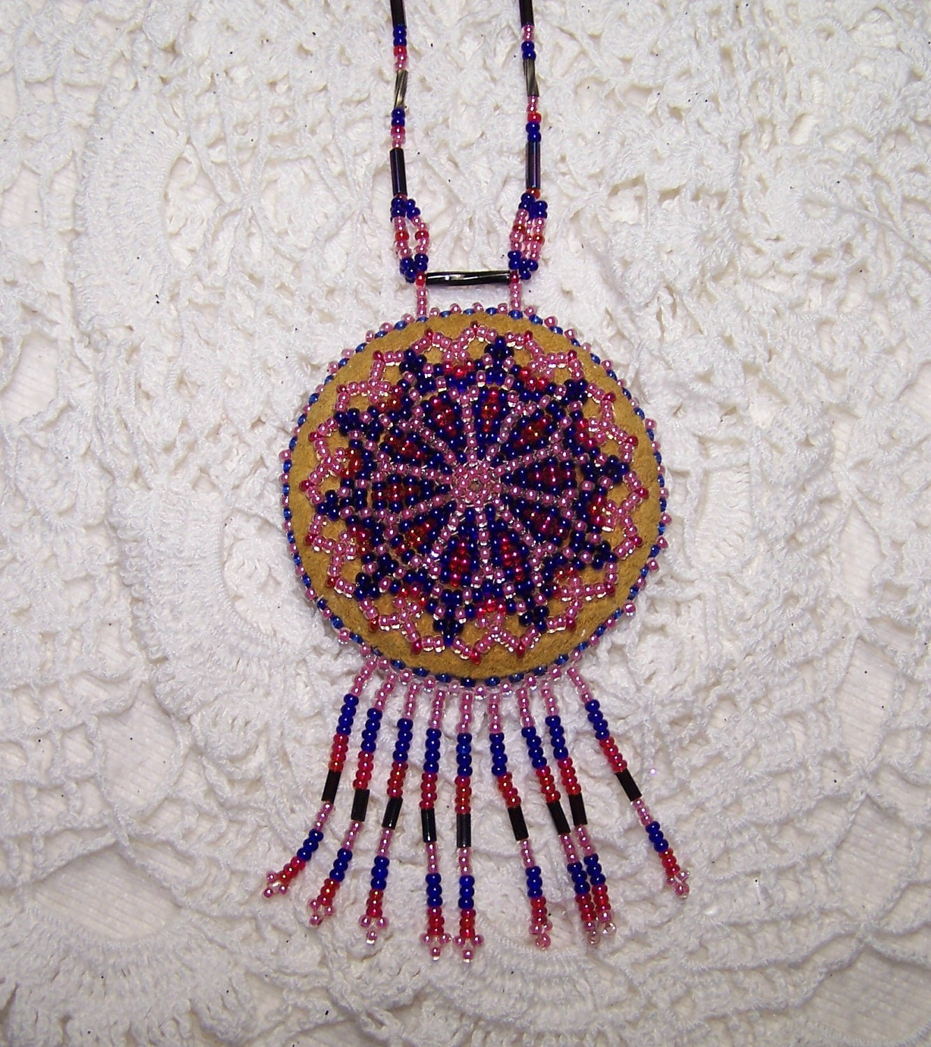 Hand Beaded Beautiful Indian Medallion Necklace VTG Jewelry