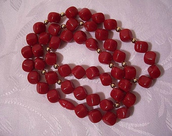 Crimson Red Rock Bead Necklace Gold Tone Vintage 1986 Avon Color Flash Rock Shape Lucite Small Round Spacer Beads Screw Barrel Clasp
