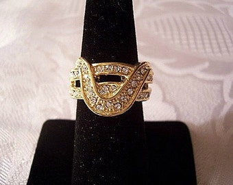 Crystal Rhinestone Ring Gold Tone Vintage Wave Double Encrusted Bands