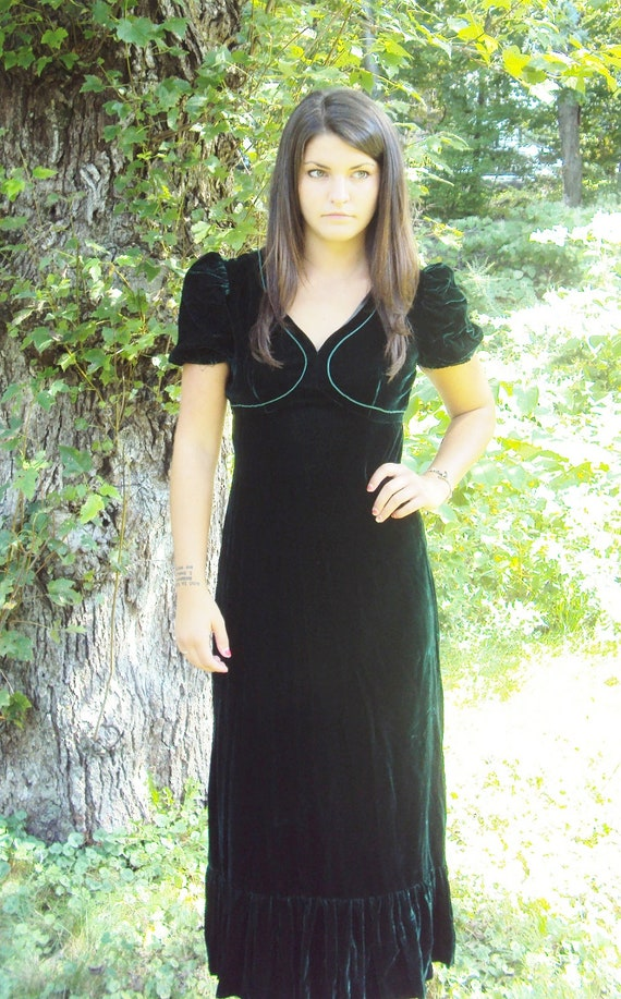 vtg 70s VELVET maxi dress / puff sleeves / Dark Green / Crushed Velvet / s, m