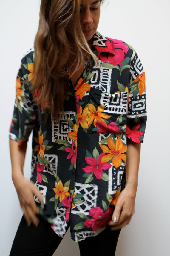 90s silk BAROQUE hawaiian southwest vintage 90s OVERSIZE slouchy watercolor abstract BUTTON up