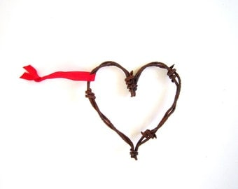 3 Rustic Barbed Wire Hearts . country wedding favors . barbed wire star ornaments . rustic home decor
