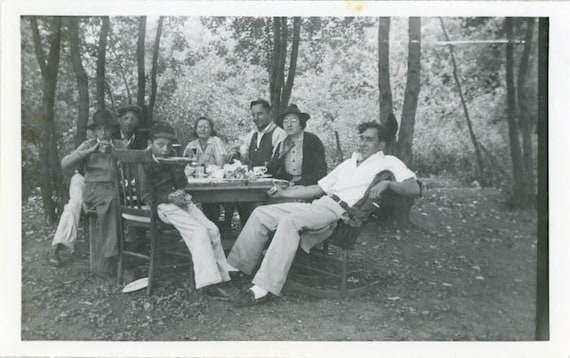 "1941 Vintage Photo ""Outdoor Lunch with Family"", Photography, Paper Ephemera, Snapshot, Old Photo, Collectibles - 0021"
