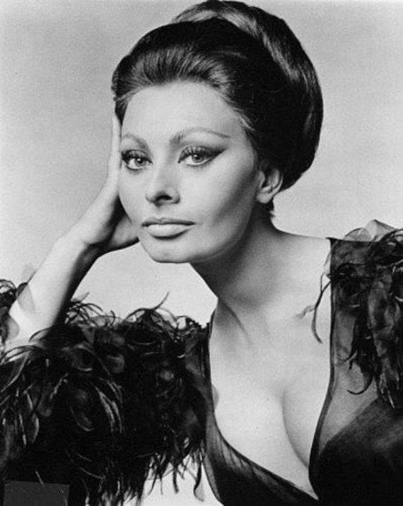 Sophia Loren - Cross stitch pattern pdf format
