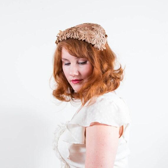 vintage 1950s hat / floral hat / Last Chrysanthemum