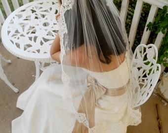 Fingertip Short French Alencon Lace Mantilla Wedding Veil - Santiago