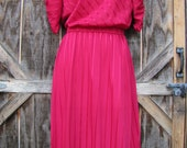 Fantastic Vintage 80s Raspberry Secretary Day Dress with Rouched Puff Sleeves and matching belt-- Sm/Med