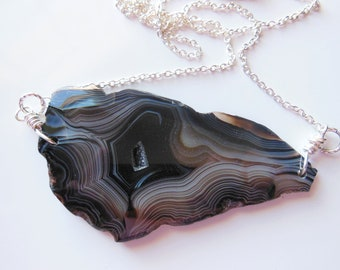 The Queen of the night Agate stone Pendant  369