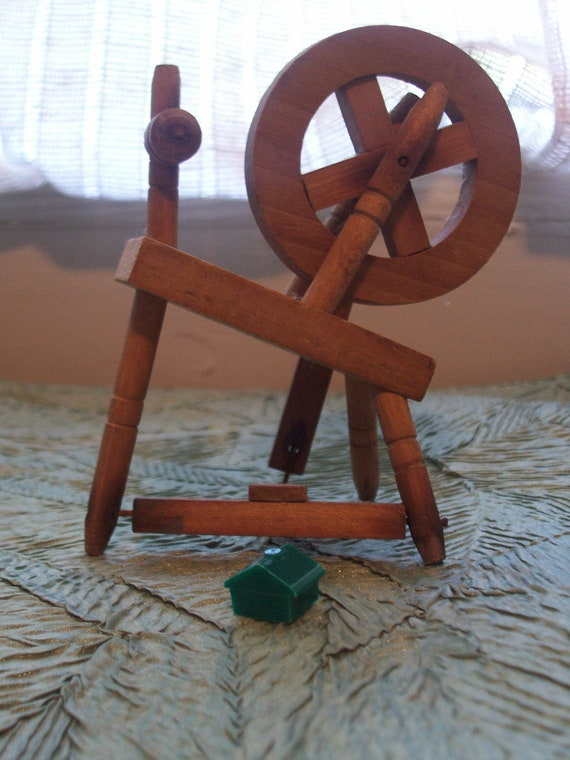 VINTAGE Miniature Wooden Spinning Wheel With Working Treadle and Wheel That Turns