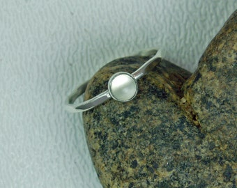 Moonstone Silver Ring, .926 White Ring, 4mm Moonstone Cabochon, June Birthstone, Thin Silver Ring, Delicate Ring, Mother Ring, Gift for Her