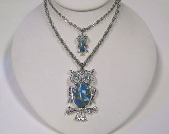 Vintage Owl Aqua Rhinestone Faux Turquiose Jelly Belly Pendant Necklace, Mother & Baby Double Pendant Owl Necklace In silver tone metal
