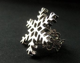Snowflake Ring. Christmas Ring. Snow Flake Ring. Silver Adjustable Ring. Holiday Jewelry. Handmade Jewelry.
