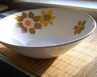 """Vintage 80's """"MIKASA"""" Large Serving Bowl Sunflower Pattern  Focus Shape Caper"""