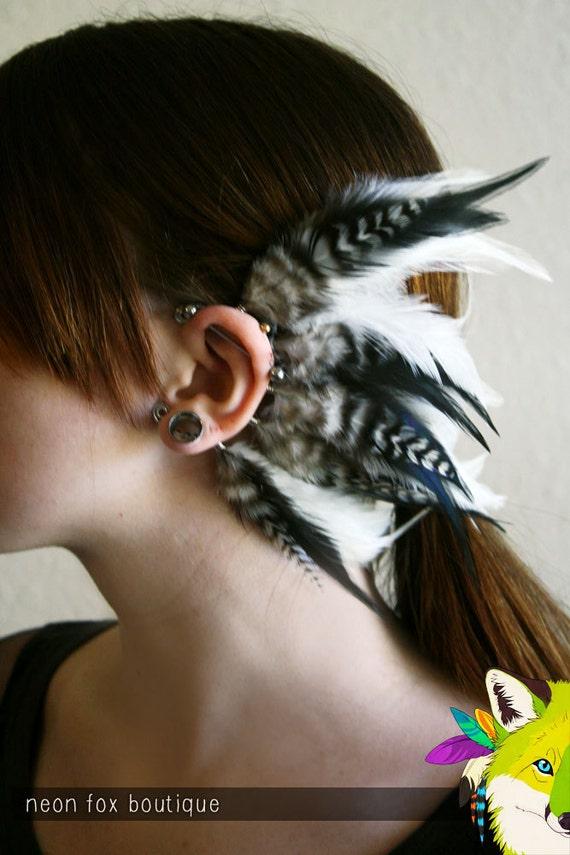 moon goddess // single feather earcuff