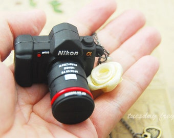 8gb usb flash drive - a mini Dslr camera necklace