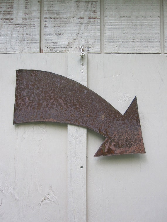 Metal Arrow Wall Art Pointing Right