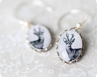 Deer earring - Deer jewelry - Dangle earings - Small earring - Earring with deer - Moose - Deer - Elk -Free shipping / E02
