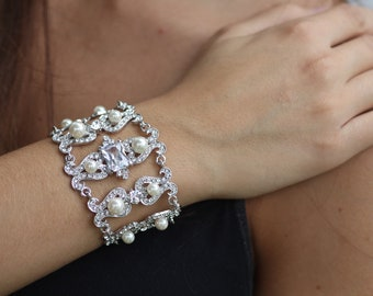 Carlina Swarovski crystal and pearl  link bracelet