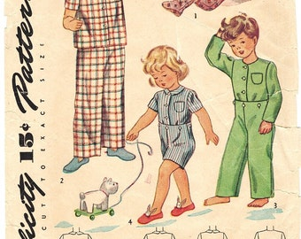 Simplicity 4877 Vintage 40s Toddler Boys or Girls Pajamas with Feet or Top and Bottoms Sewing Pattern Size 4