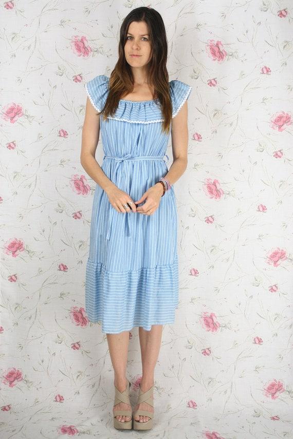 Vintage summer dress - blue w/ ruffle neckline & tie belt S-M