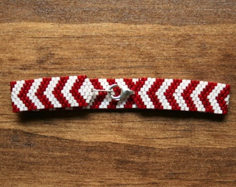 Red and White Candy Cane Chevrons Peyote Bracelet - Made To Order - Pick a Size