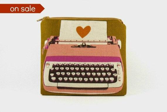 ON SALE Typewriter - Medium zipper pouch / makeup bag / gadget case