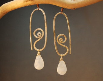 Hammered swirl earrings with removeable gemstone Nouveau 177