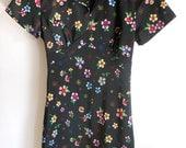 Vintage 90's Grunge Revival Mini Dress / Floral mini dress / Tea Length dress / shirt dress