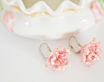 Flower Earrings, Boho Crochet Earrings, Wild Flower Jewelry, Peach Pink Bridal Earrings, Crochet Jewelry, Beadwork, ReddApple