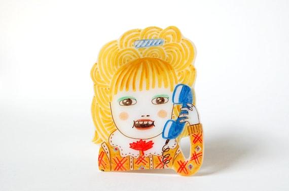 LUCY MORAN - shrink plastic brooch