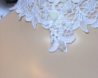 Bridal lace choker, wedding lace neckband, romantic wedding accessory,  white textile jewelry