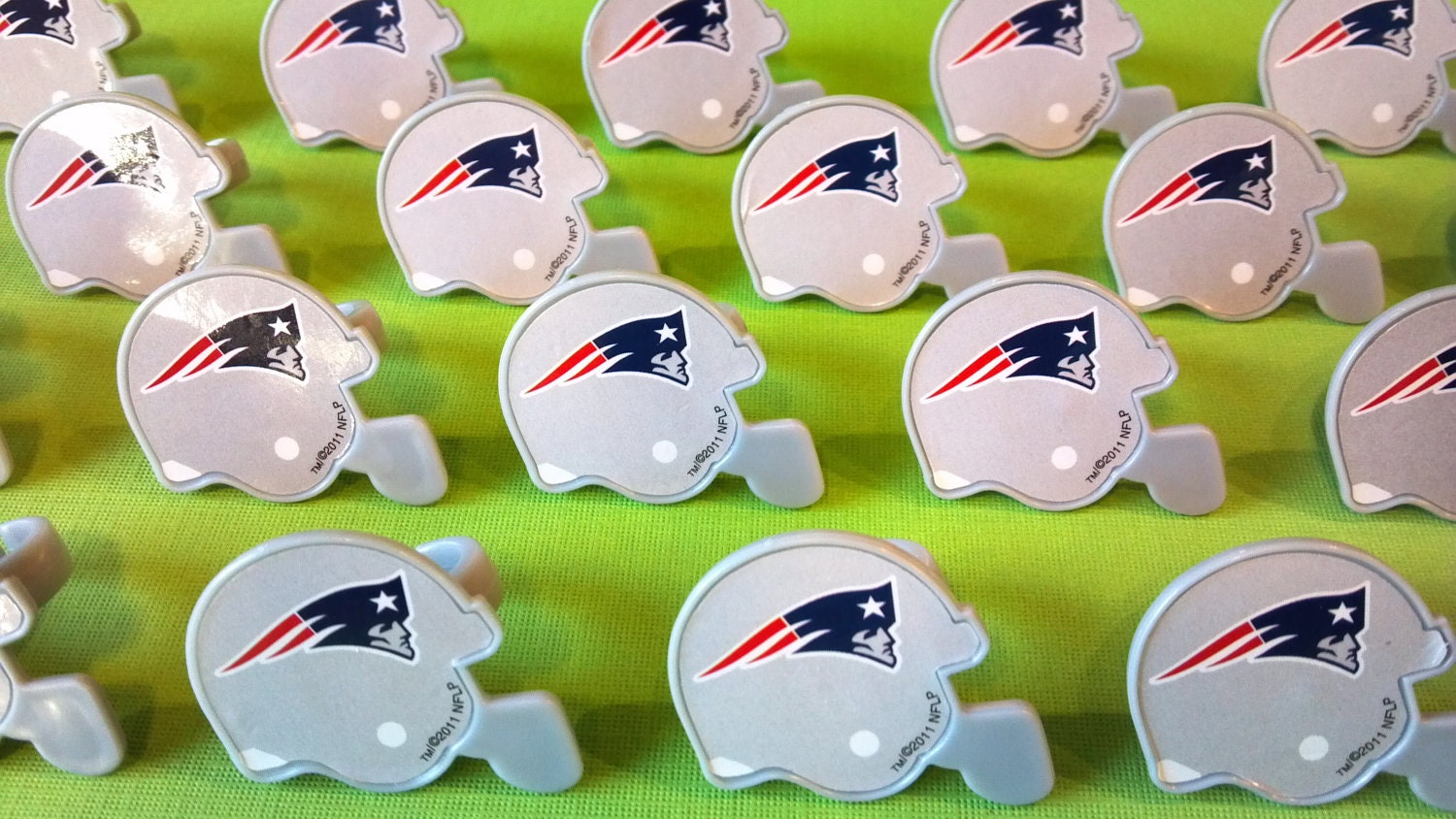 24 New England PATRIOTS NFL helmet cupcake by AisforApronStrings