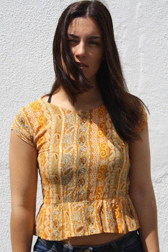 Vintage Hippie Top / 70s Floral and Paisley Pattern Summer Top