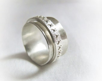 Fairy tale trick ring