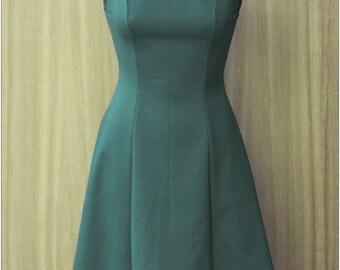 Fifties Sixties vintage style minimal dress