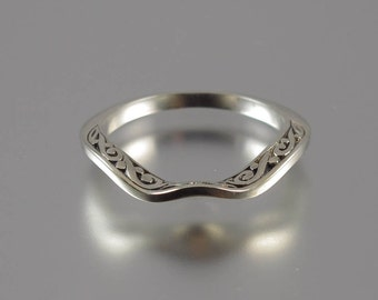 THE PRINCESS Wedding Band in 14k gold