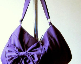 Hobo or messenger bag in Purple - With zipper and adjustable strap Color options avaliable