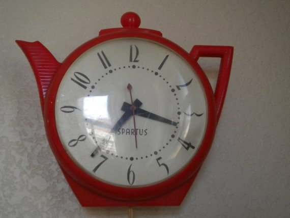 Vintage 50s Red Tea Pot Kitchen Clock Spartus