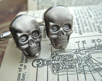 Men's Cufflinks Skull Cufflinks Pewter Silver Cuff Links Gothic Victorian Steampunk Cufflinks Pirate Cufflinks