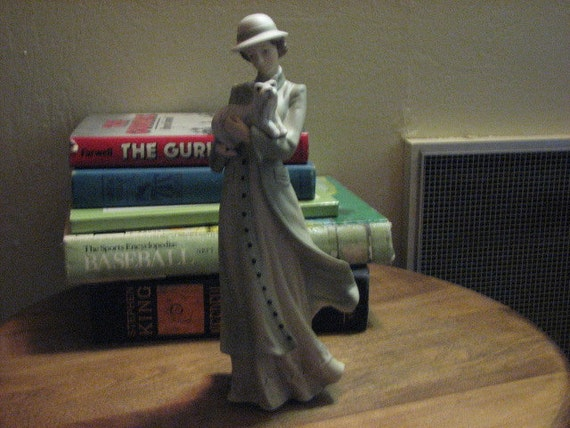 Forties Lady Figurine with Westie