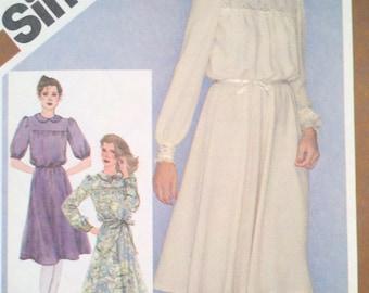Pullover Dress - Misses - Simplicity 9767 Pattern - UNCUT -  Adjustable for Miss Petite