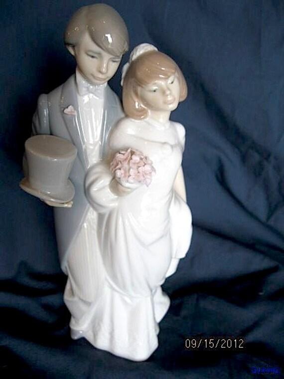 Sale Vintage Lladro WEDDING BELLS Figurine Bride Groom Couple