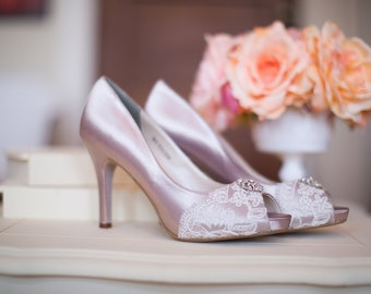 Wedding shoes peep toe platform high heels bridal shoes embellished with floral ivory French lace and crystal brooch