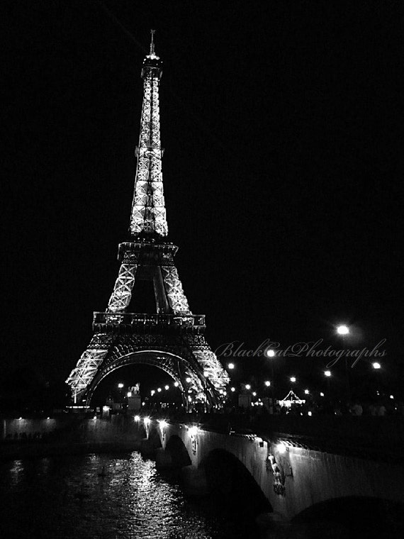 Paris picture paris eiffel tower photo black and white for Eiffel tower wall mural black and white