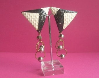 80s Handmade black and white triangle earrings, clip, faux snake skin, danglers, goldtone chain link, silvertone beads, original 80s