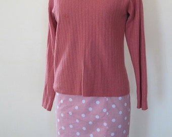 Dusky Rose Pure Cashmere V-Neck Sweater, Verical cable ribs, soft as cotton candy, size small