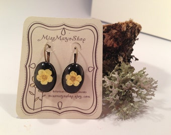 Real Flower jewelry -  yellow Earrings - Antiqued bronced with yellow real  flower over black leather- Earrings botanical - red and black